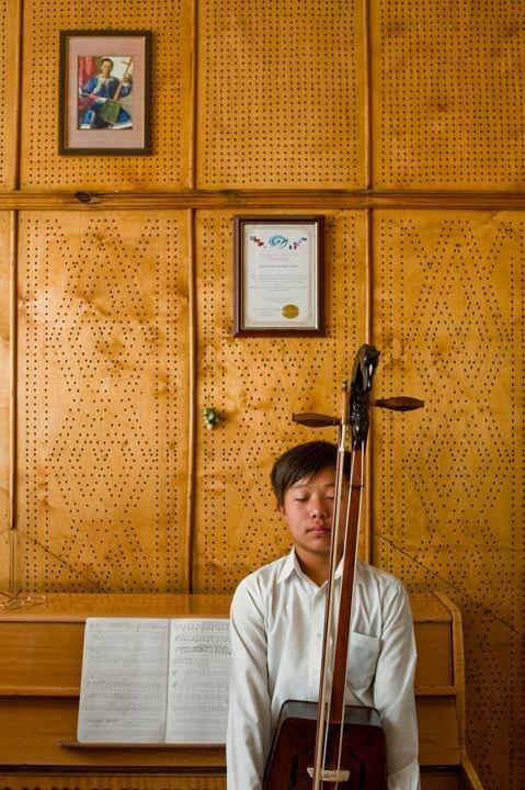 https://headon.com.au    http://www.sophiehowarthphotography.com/shp_news.html
