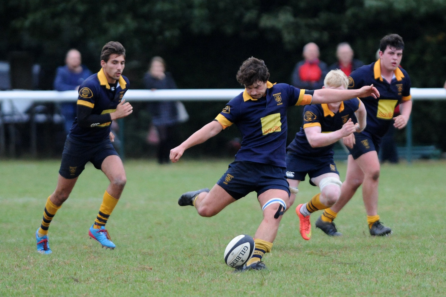 Issac Winter put Oaks 1st XV ahead with five minutes to go against Maidstone 1st XV but a lack of accuracy cost Oaks in the dying minutes. Photo Credit: David Purday