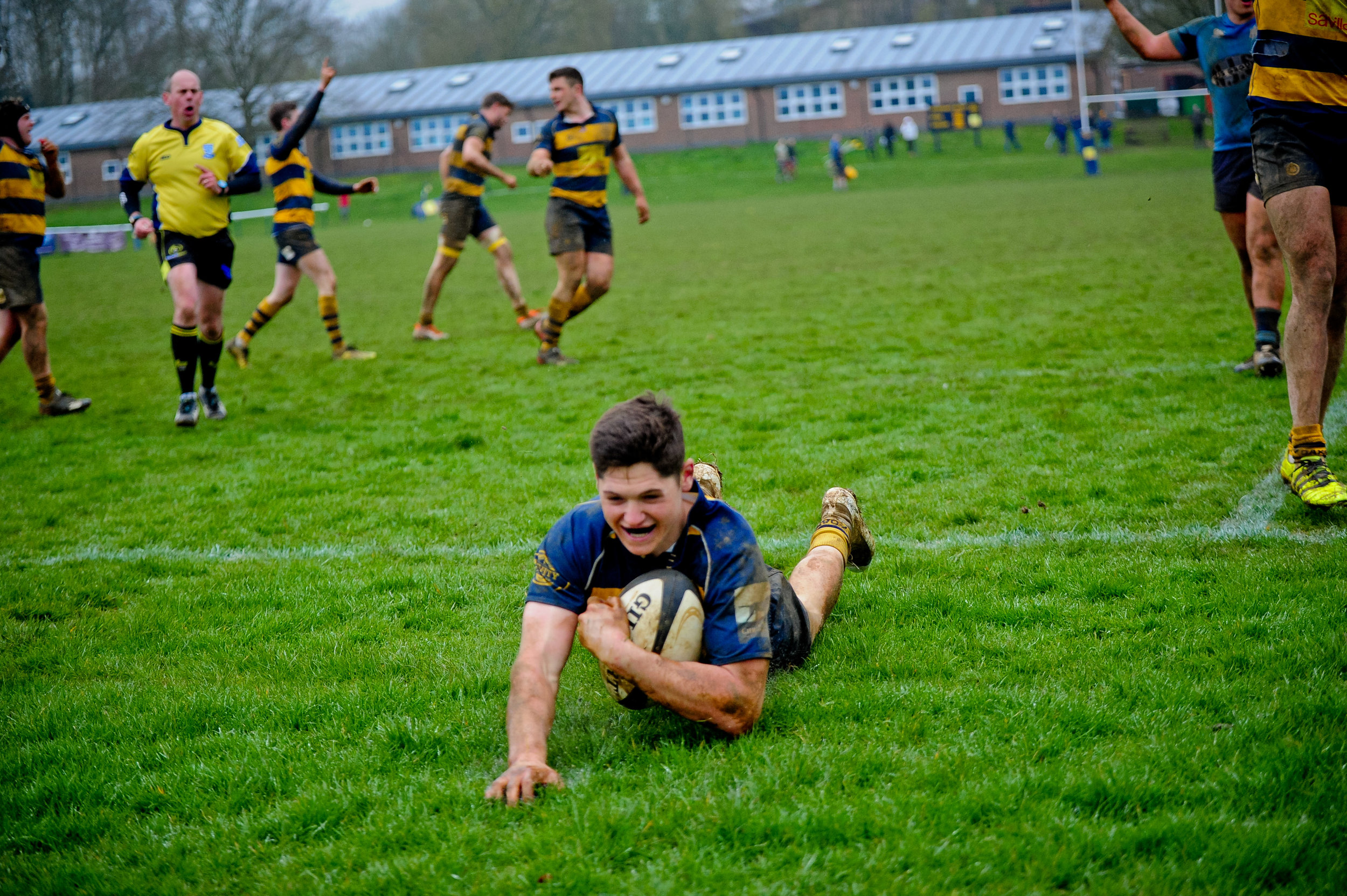 Oaks Leighton Ralph goes over for an Oaks score. Photo Credit: David Purday