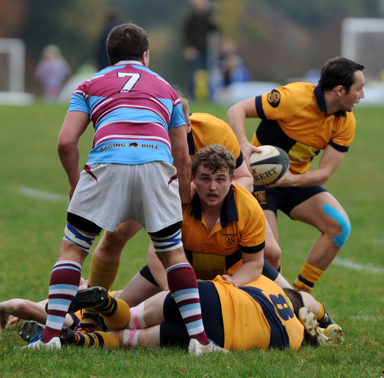 In the thick of it! Scotty in the middle of it all against Chiswick.  Photo Credit: David Purday