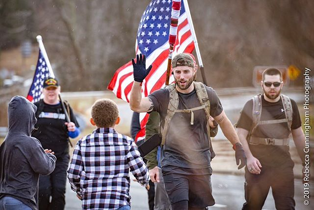 High fives all around 👋🏼 This type of support is what keeps us going 🇺🇸🇺🇸🇺🇸 #freedomruck2019 #freedomruck #ruckon 📸: @rebeccacunninghamphoto