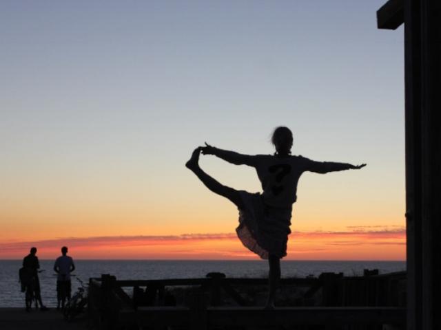 sunsetbalancefrance13.jpg