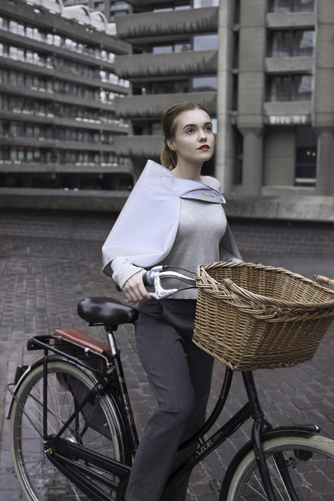Hi-vis_cyclewear_by_Henrichs_dezeen_468_6.jpg