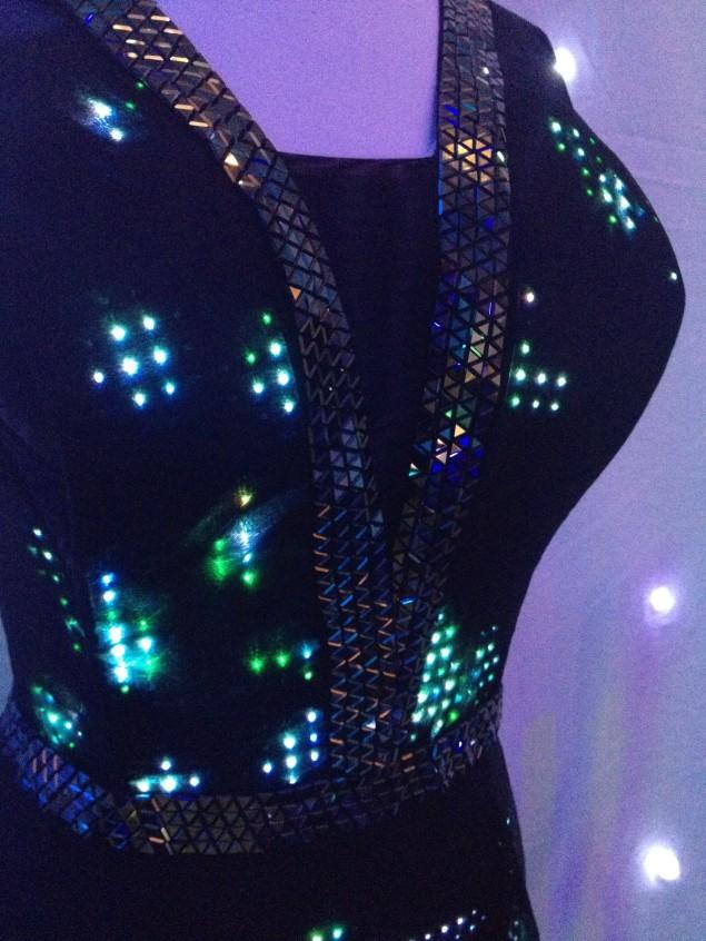 twitter-dress-vestido-cute-circuit-nicole-Scherzinger-01.jpg