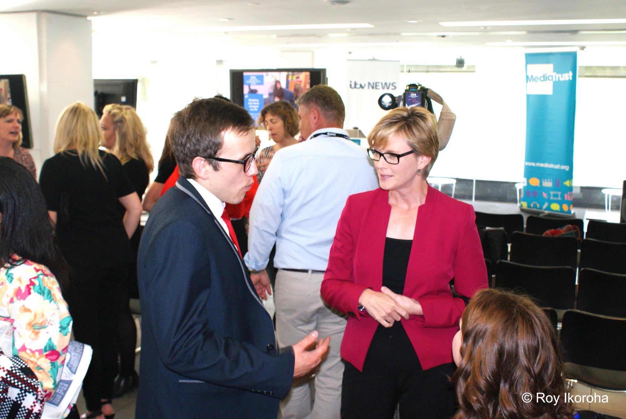 Julie Etchingham talking with finalist Paul Davies   © Roy Ikoroha