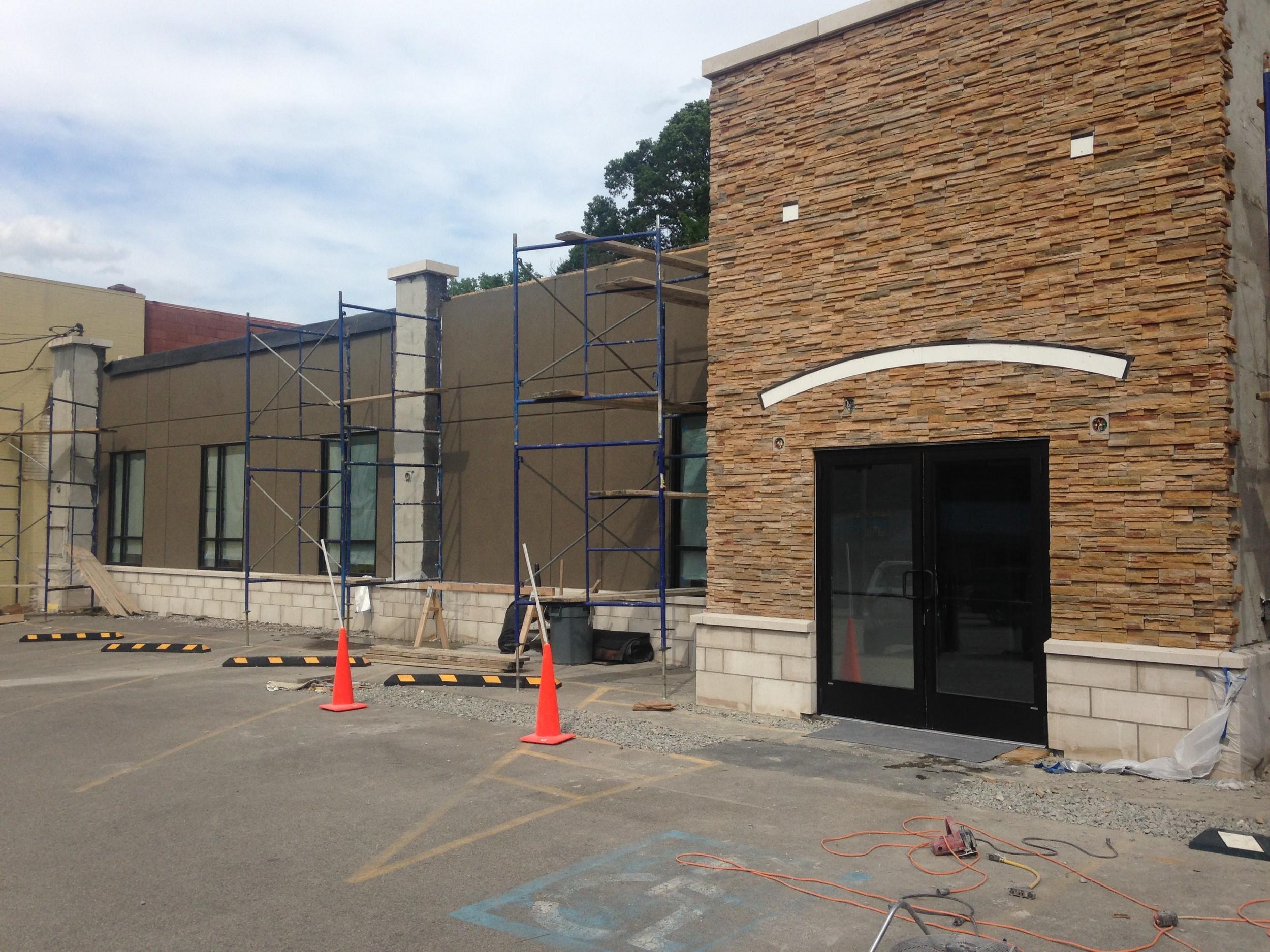 PROCESS: Facade under construction