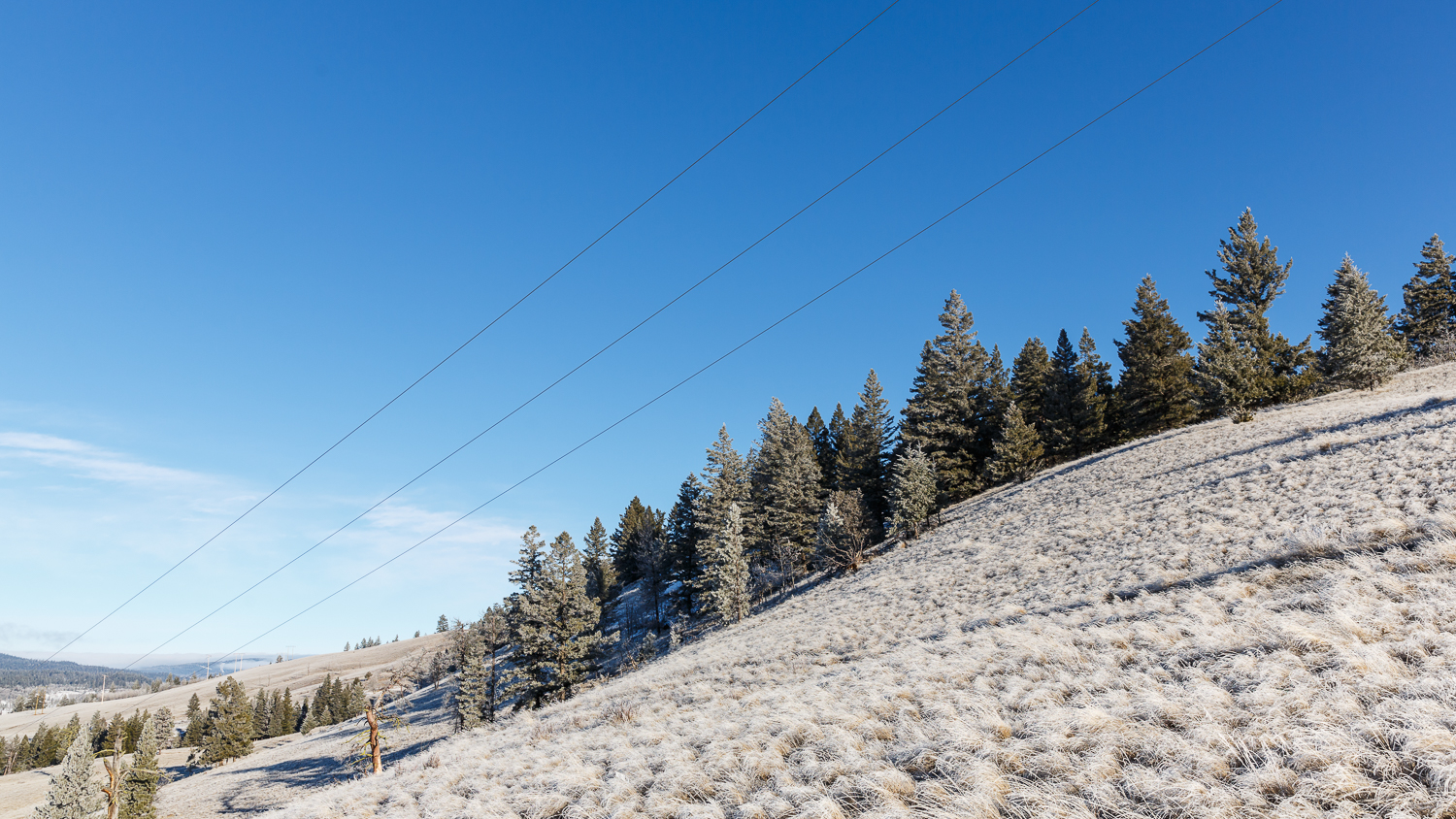 Existing power lines were live during the operation, which only added to the risk factors involved in such a project.