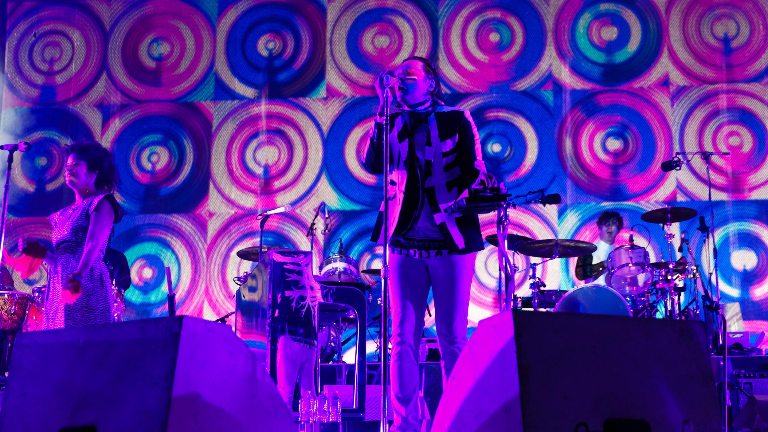 Arcade-Fire-Photo10.jpg