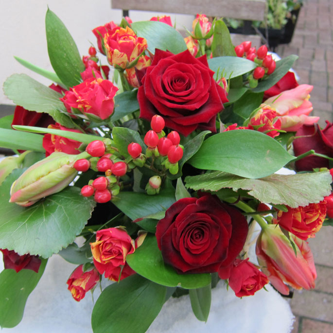 roses, tulips, hypericum, spray roses