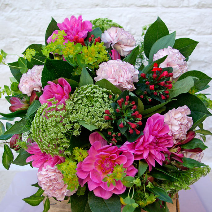 dahlia, carnations, ammi, bupleurum, bouvardia