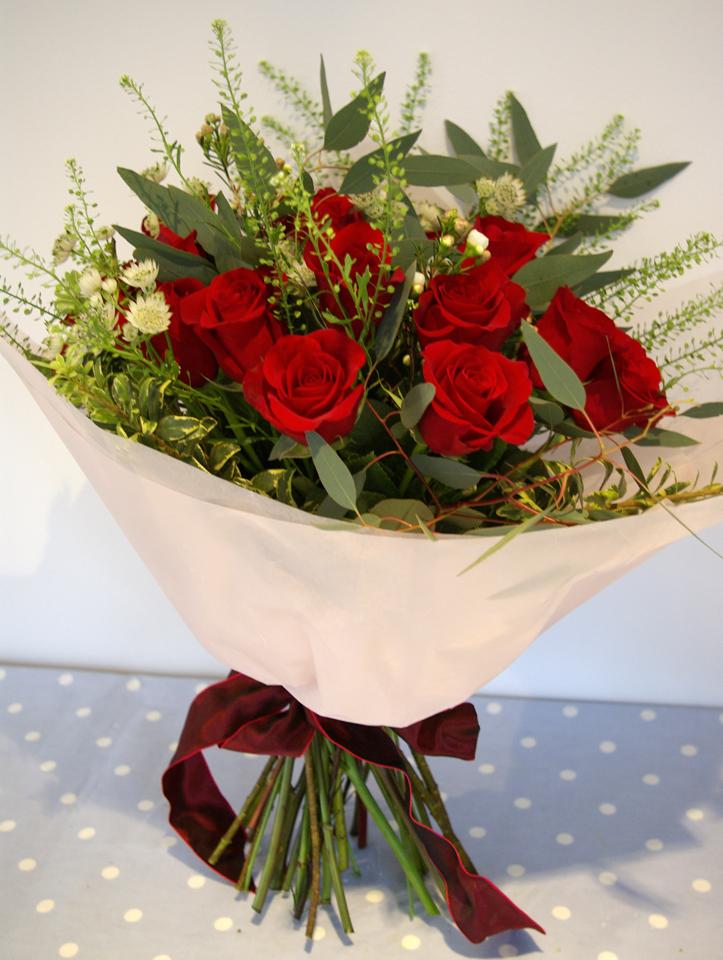 Valentine's roses, astrantia, green bell,eucalytpus