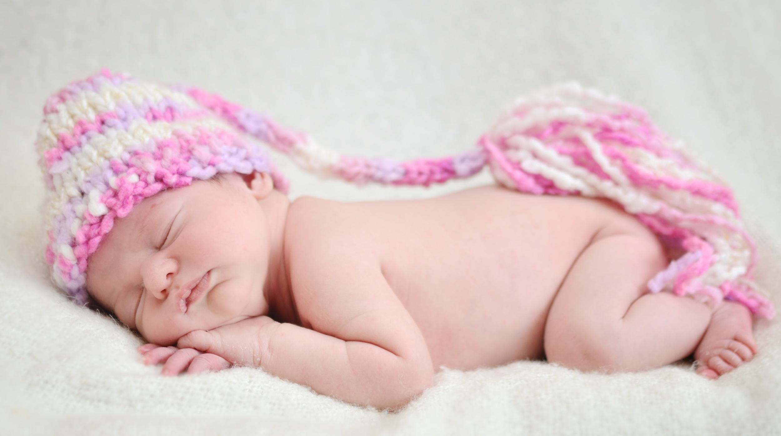 Arielle Newborn Colour 21 (2).jpg
