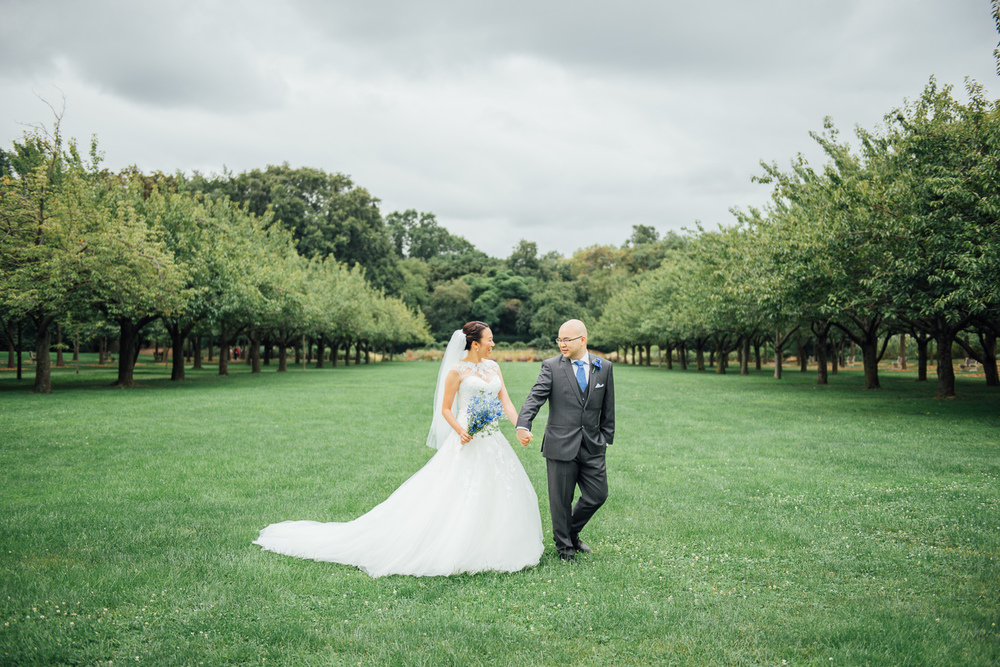 The Brooklyn Botanic gardens is one of our favorite places for photography.Check out  this post  from Sun & Qi's wedding.