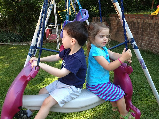 kids-at-swing-1185902_640.jpg