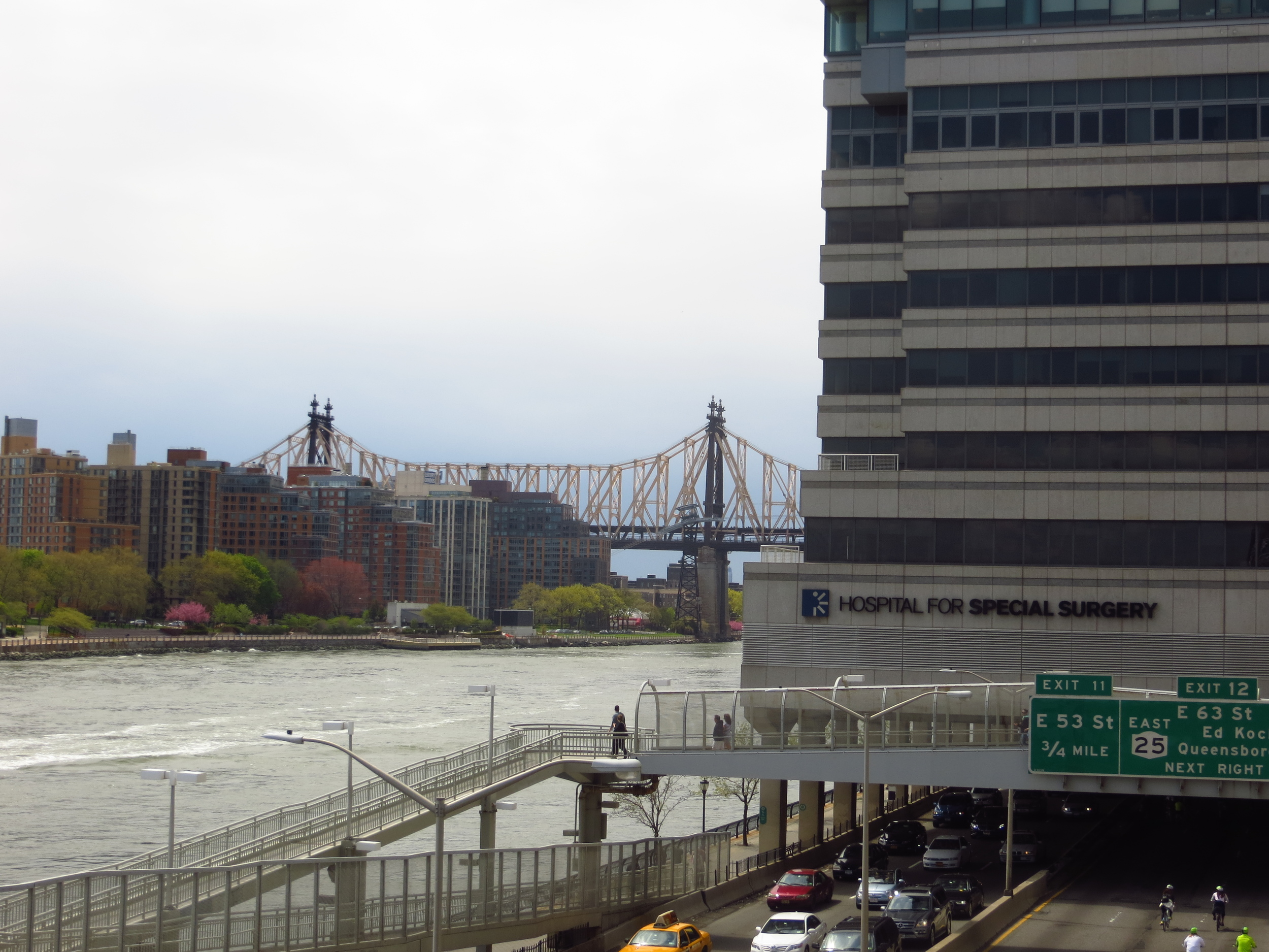 View south of Roosevelt Island and Queensboro Bridge