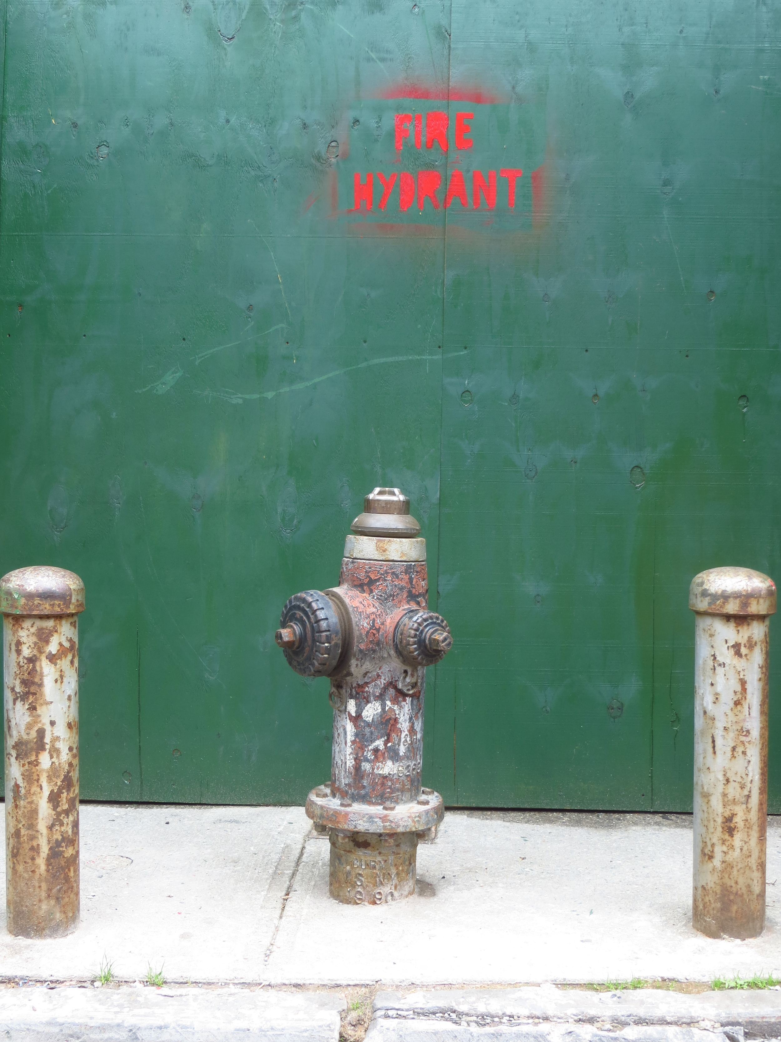This is a picture of a fire hydrant