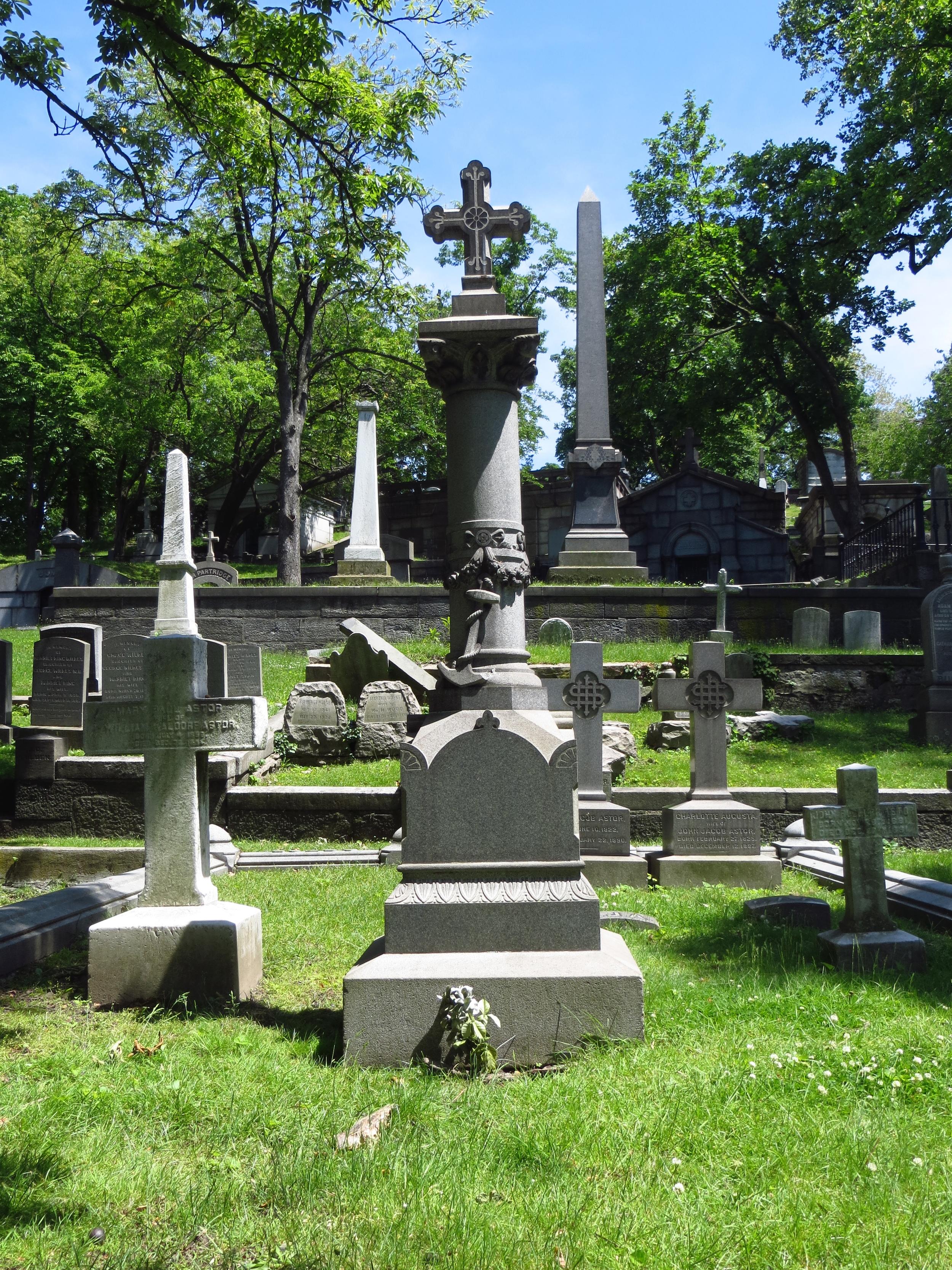 Gravestone of John Jacob Astor IV (died on the Titanic)