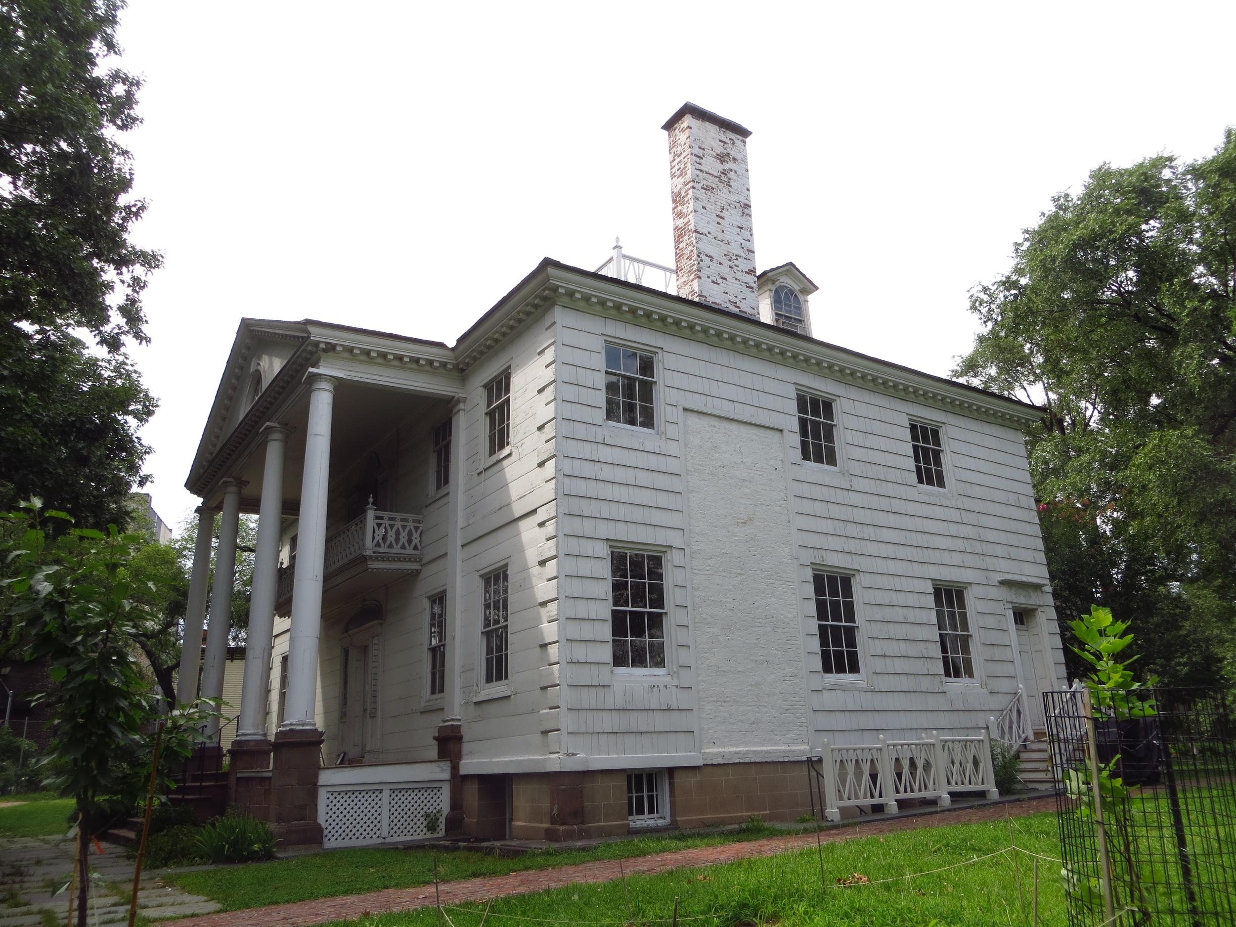 Morris-Jumel Mansion side