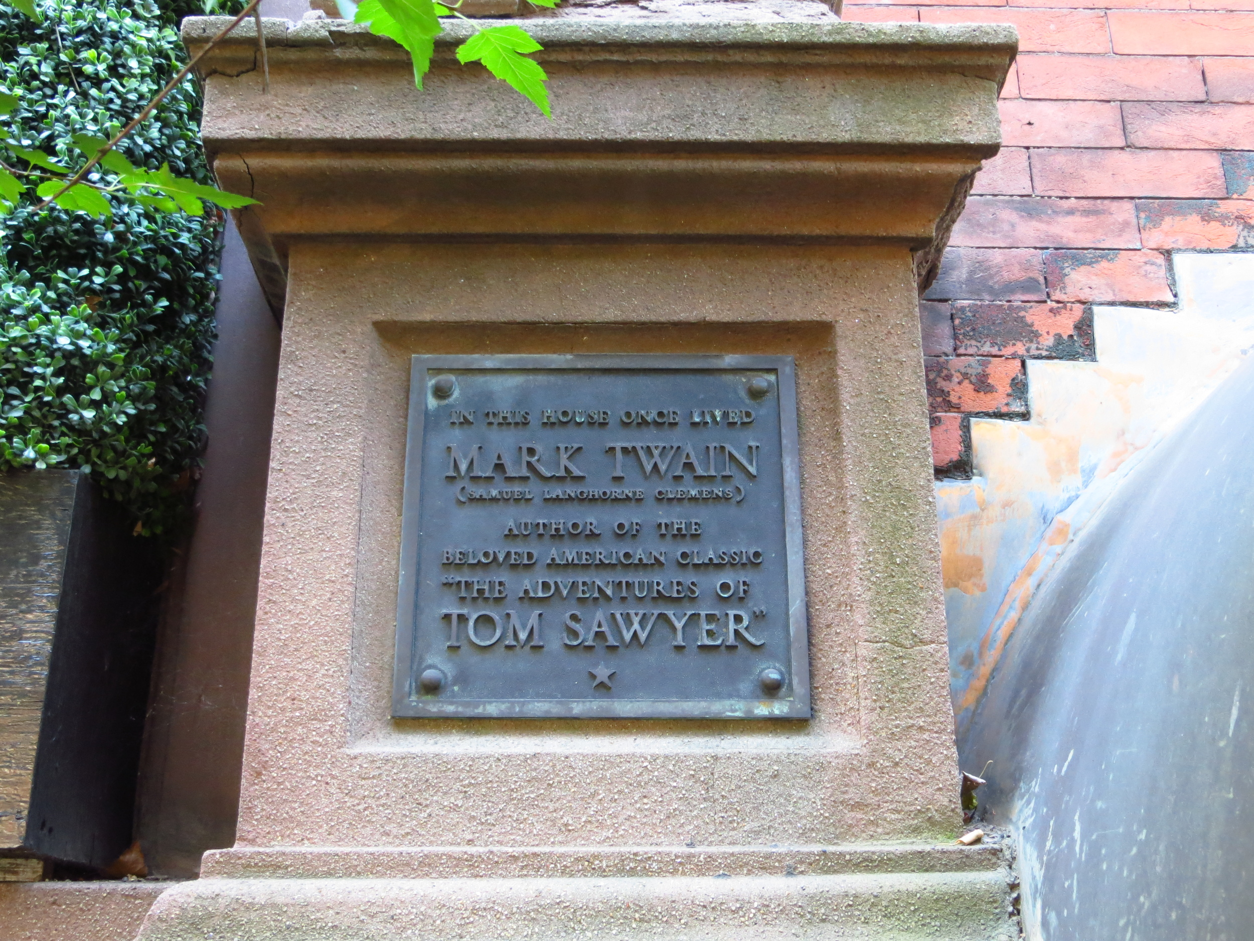 ...also Mark Twain lived there
