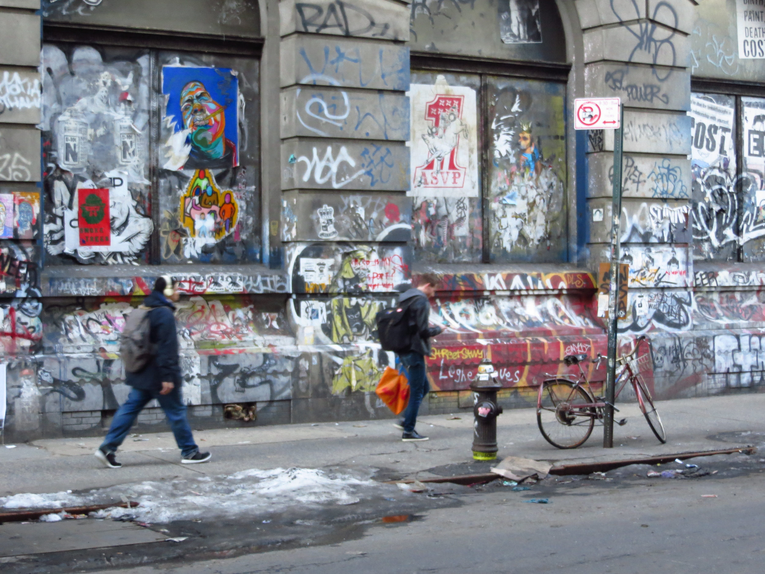 Many grafitto