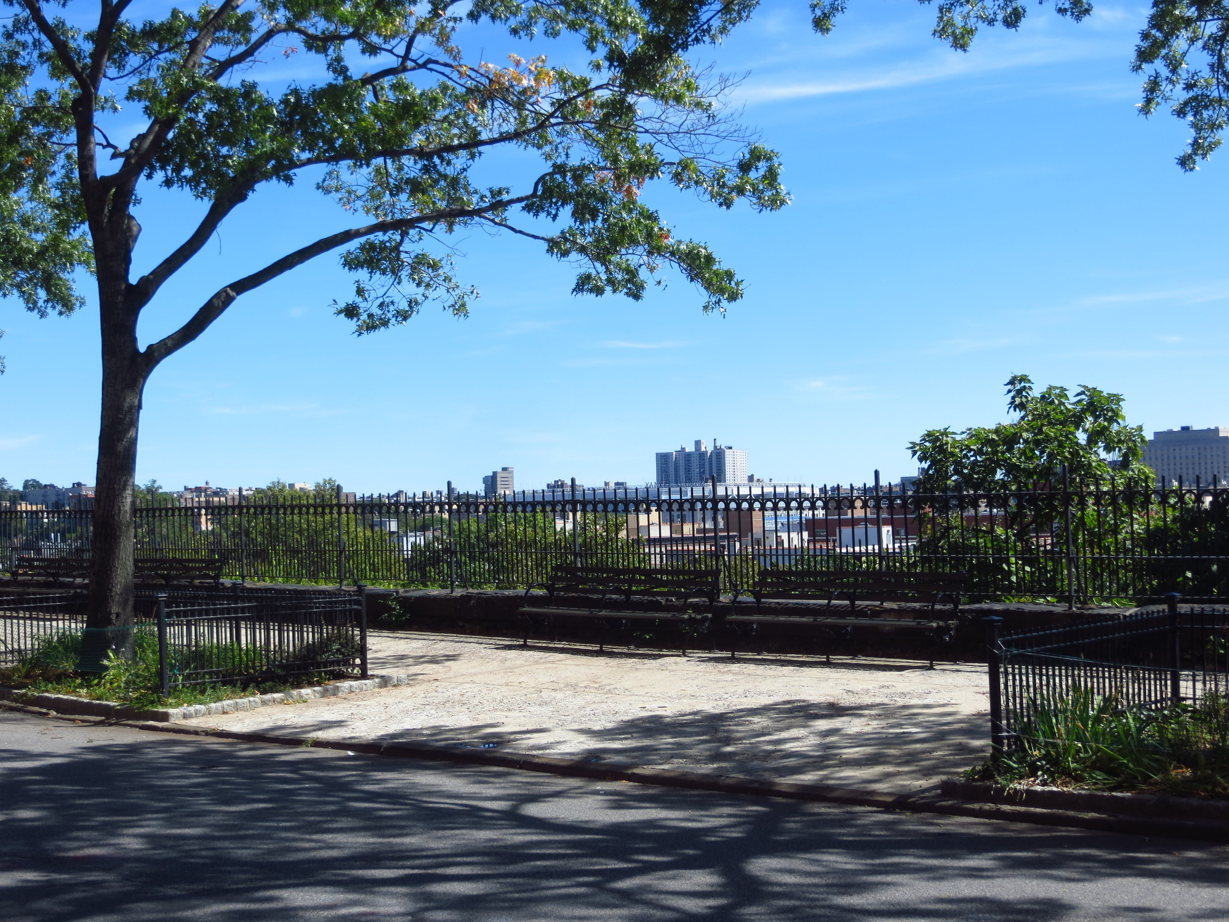 View from Edgecombe Ave. over North Harlem