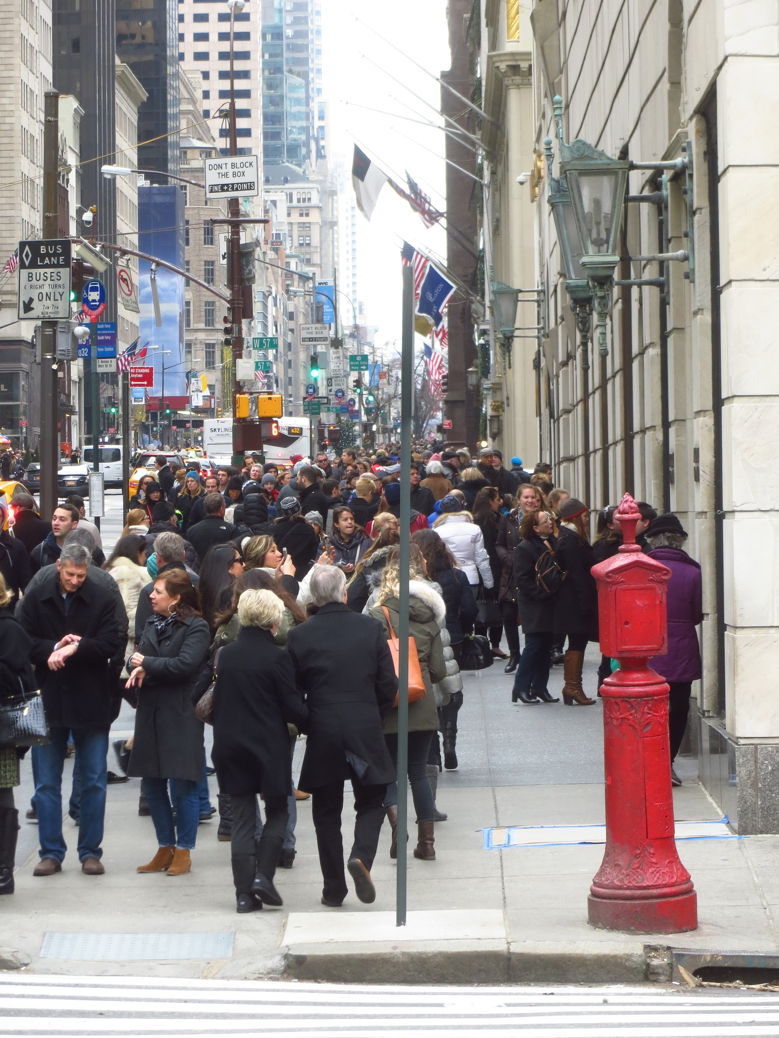 5th Avenue holiday crowd (outside Bergdorf Goodman)