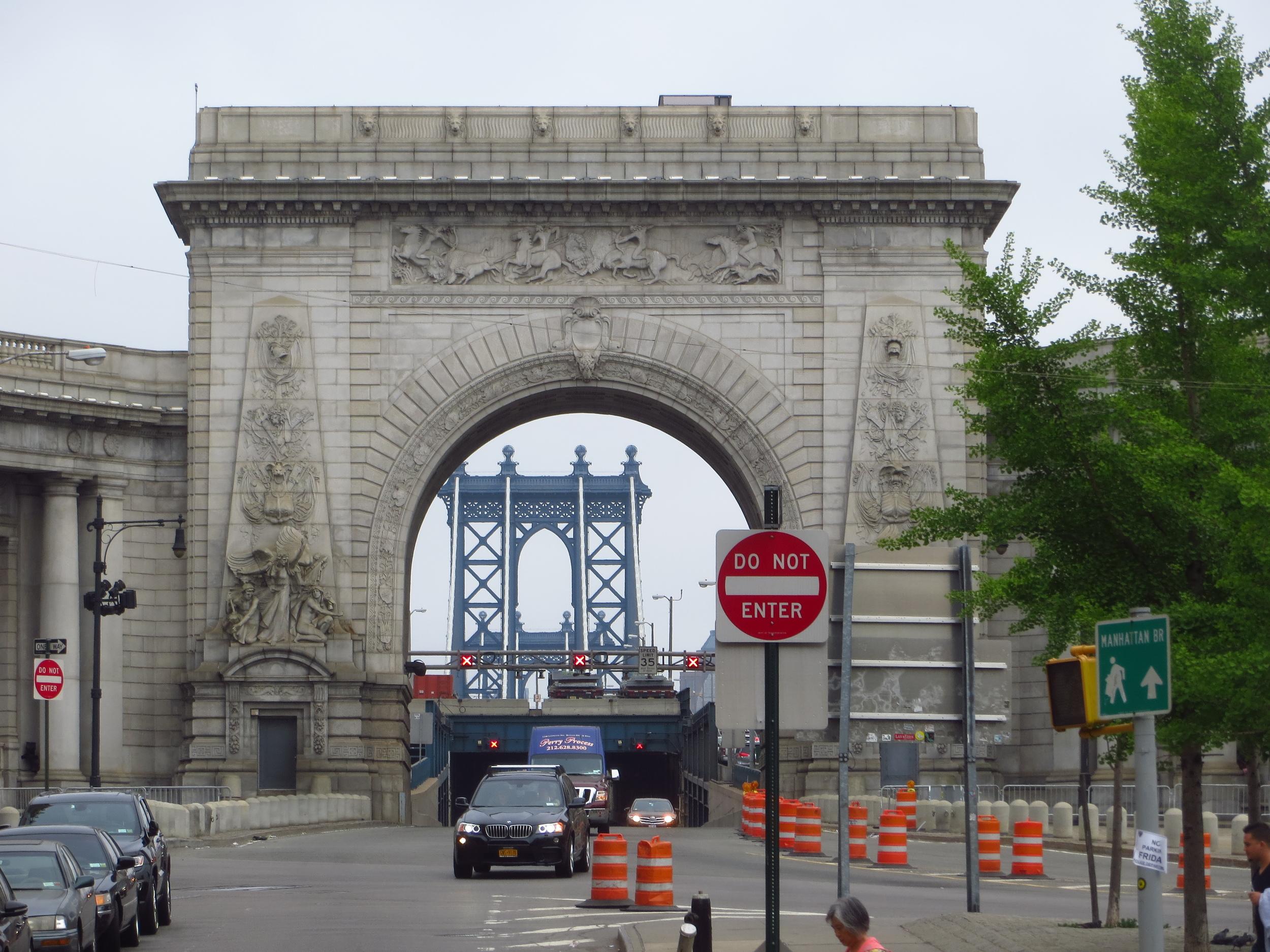 Manhattan Bridge entrance