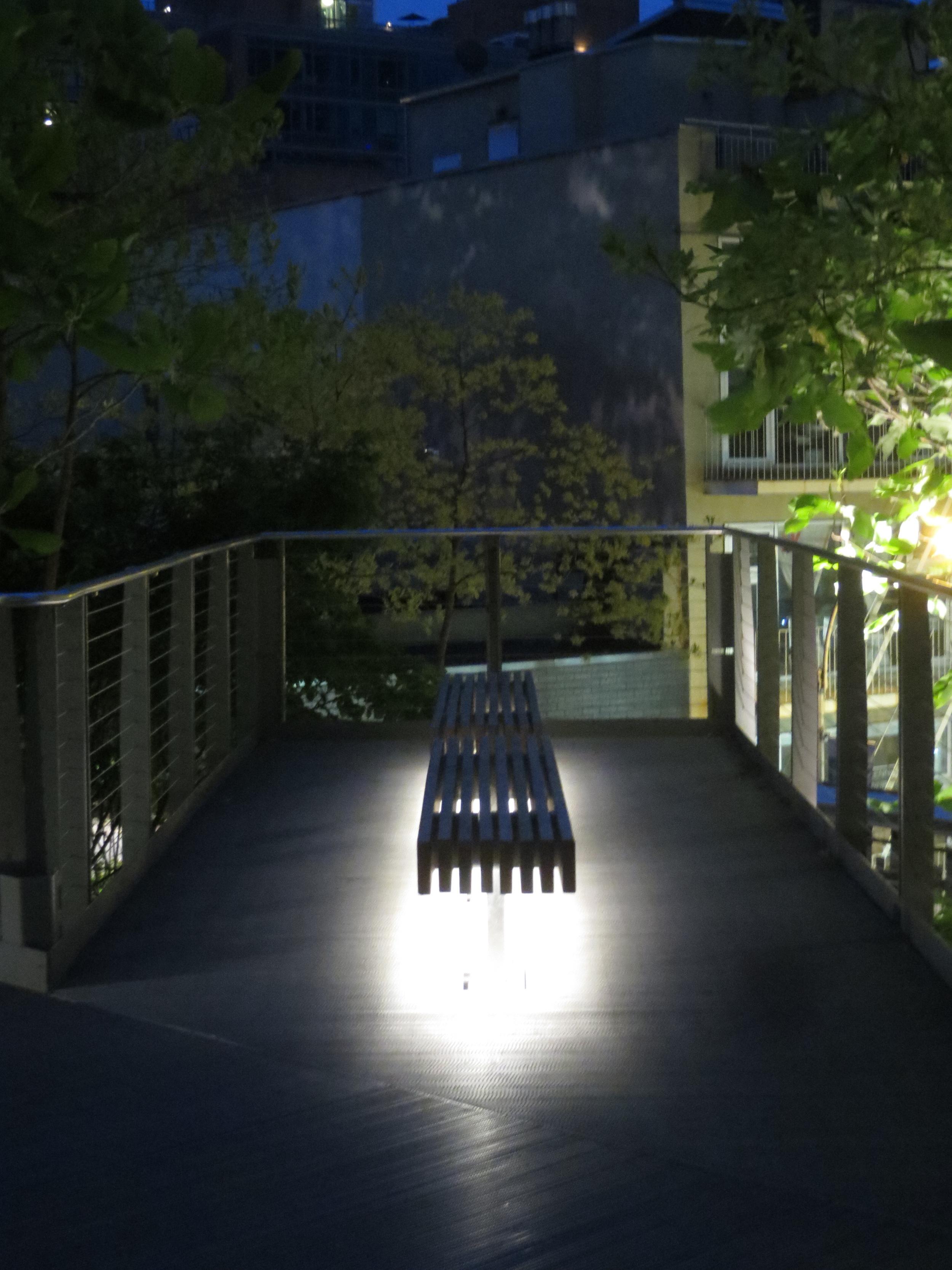 Lit bench