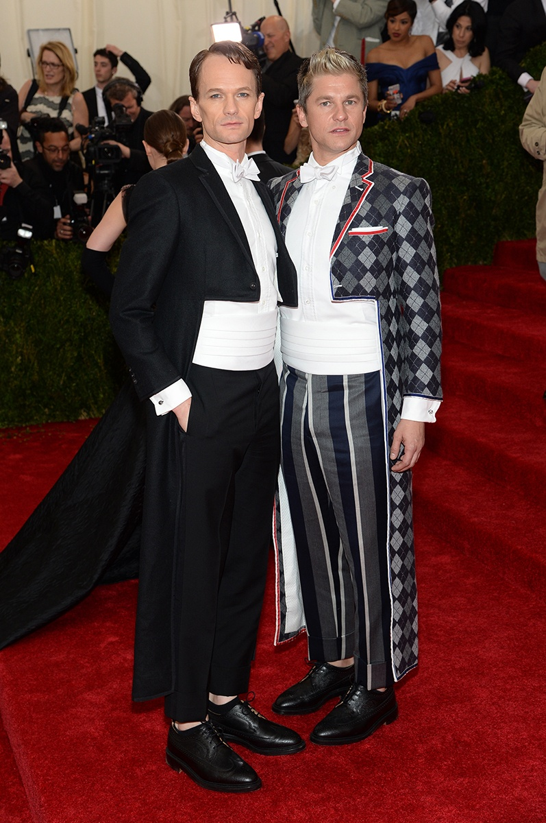 NEIL PATRICK HARRIS AND DAVID BURTKA IN THOM BROWN