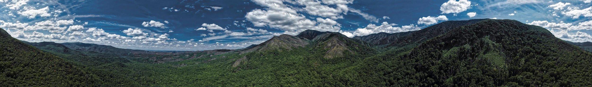 Rocky Mountains Panorama 2.jpg