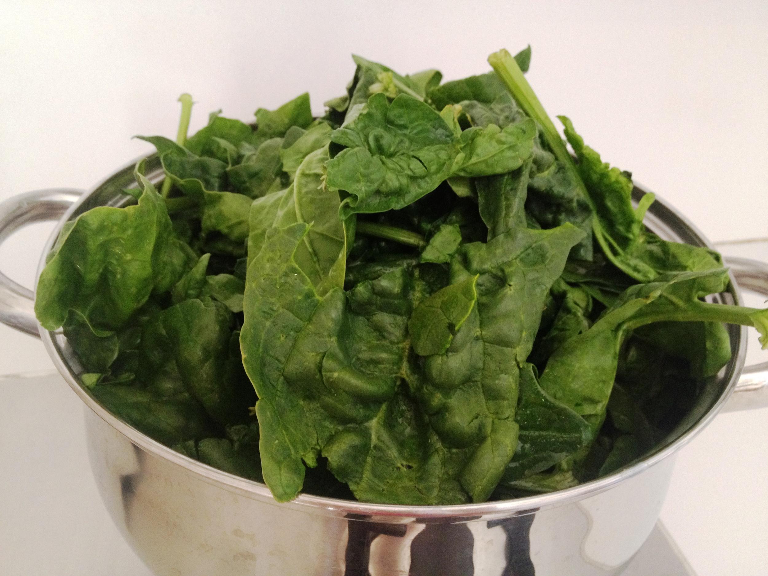 leafy-green-vegetables-loose-spinach-global-health-renegade.JPG