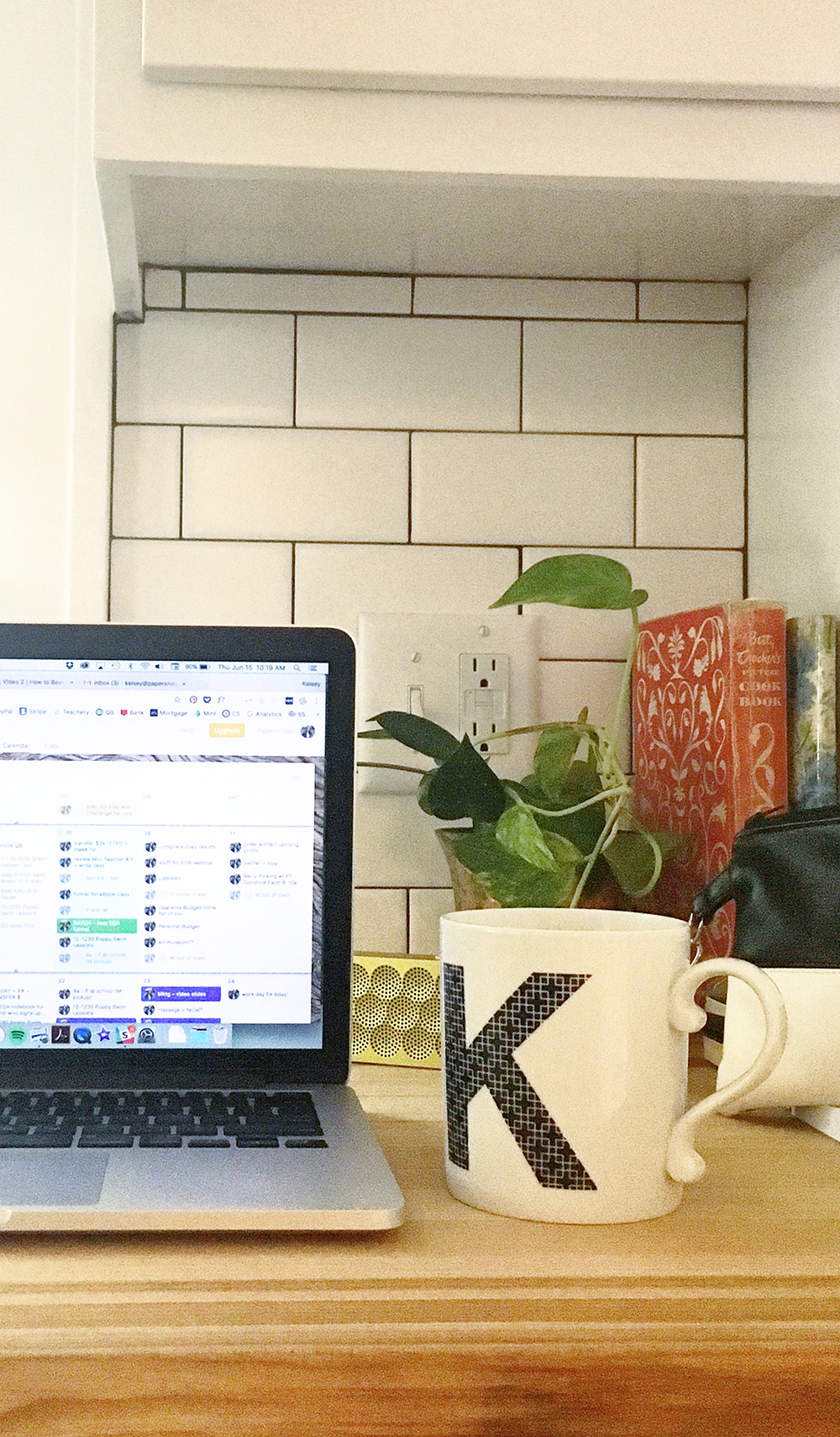A day in the life of a single mompreneur (with free weekly planner!) - by Paper + Oats