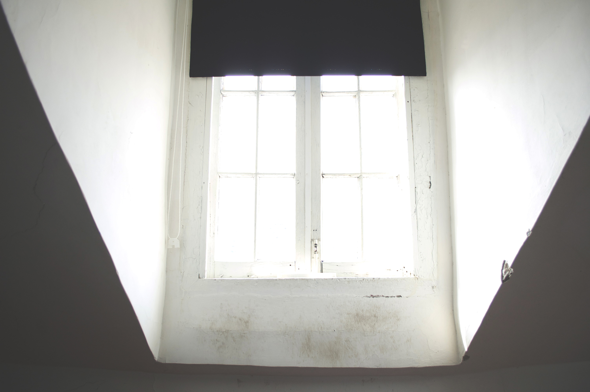 Window on a bright day. Photo by Francesca Galluzzo.