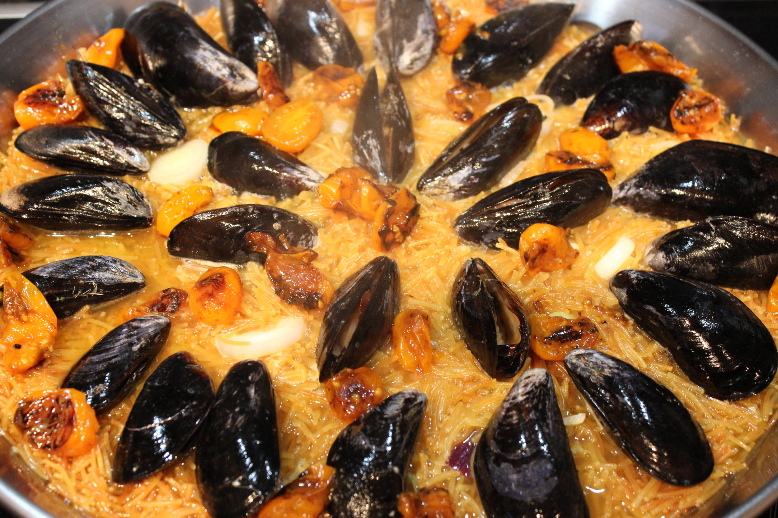 Arrange the mussels so they have enough room to open