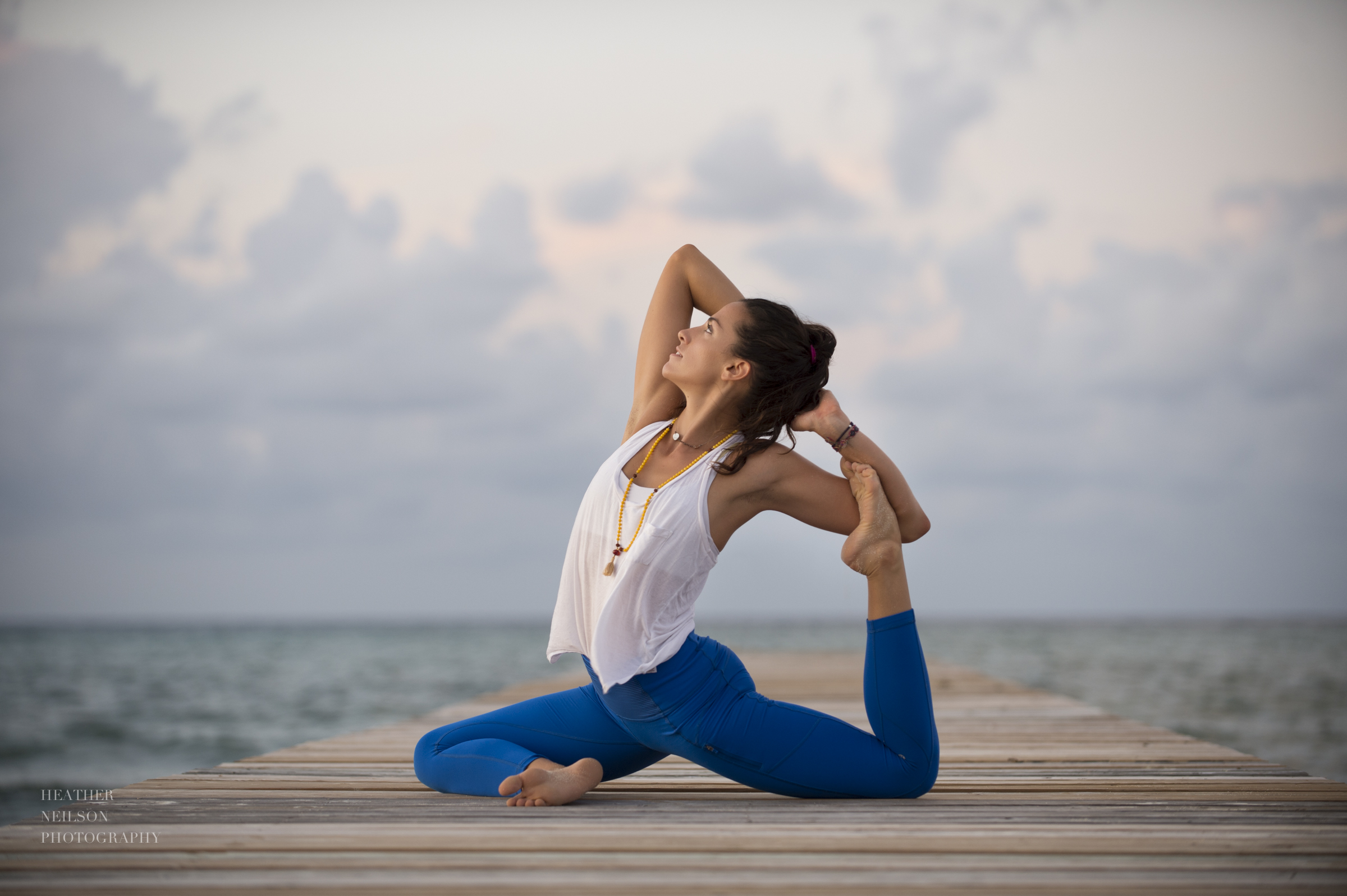 Stunning yoga photography: Heather Neilson Photography
