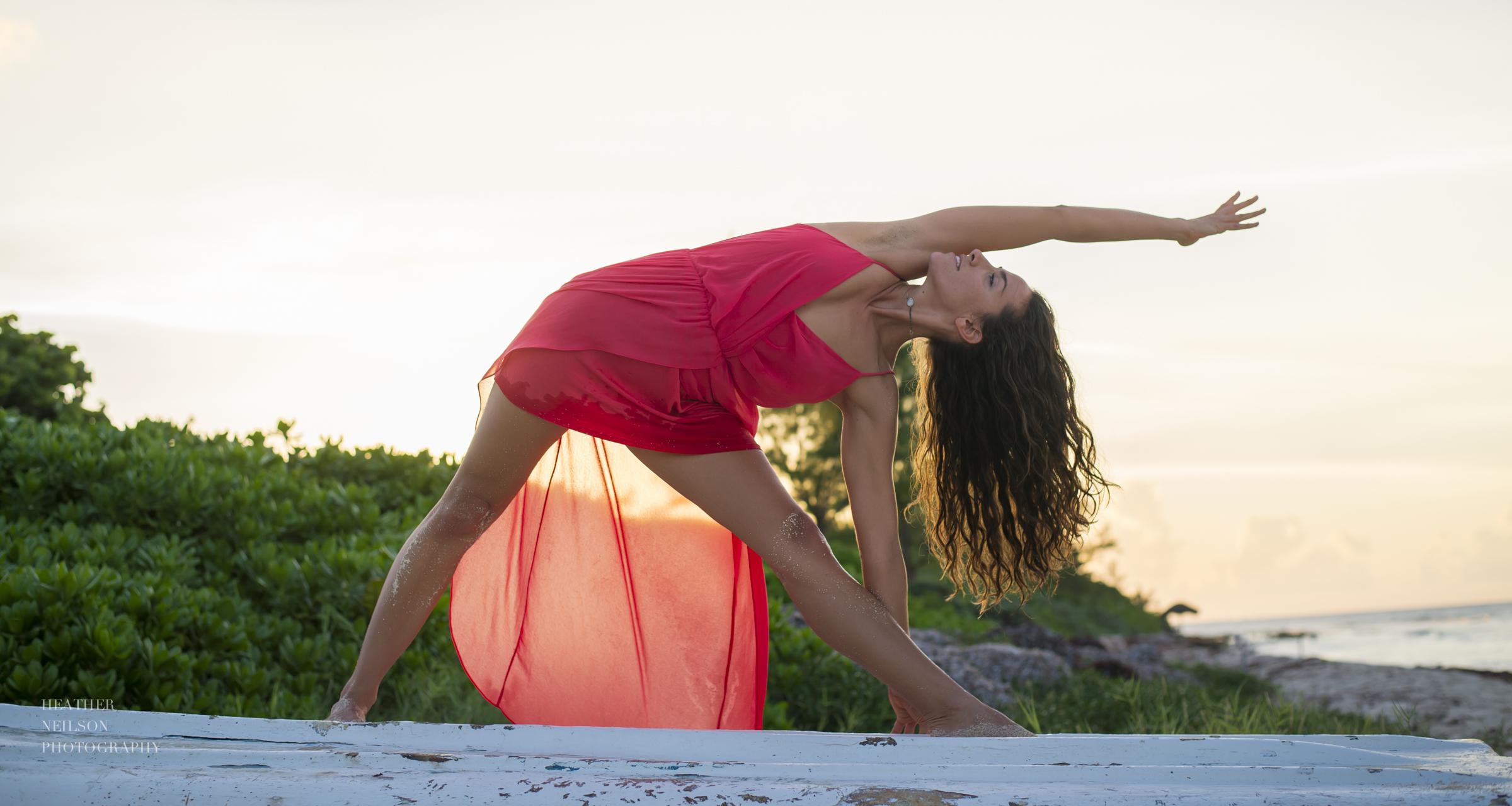 Inspirational beach yoga photography // floaty dress
