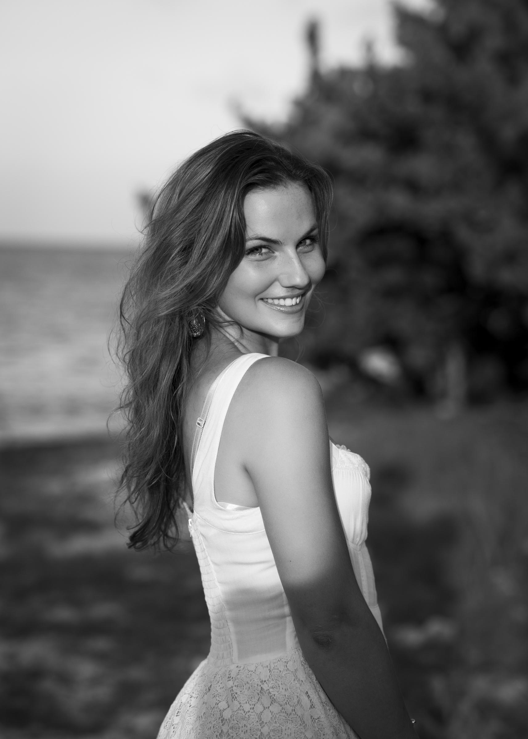 Stunning natural light portrait photographer Cayman #fashion