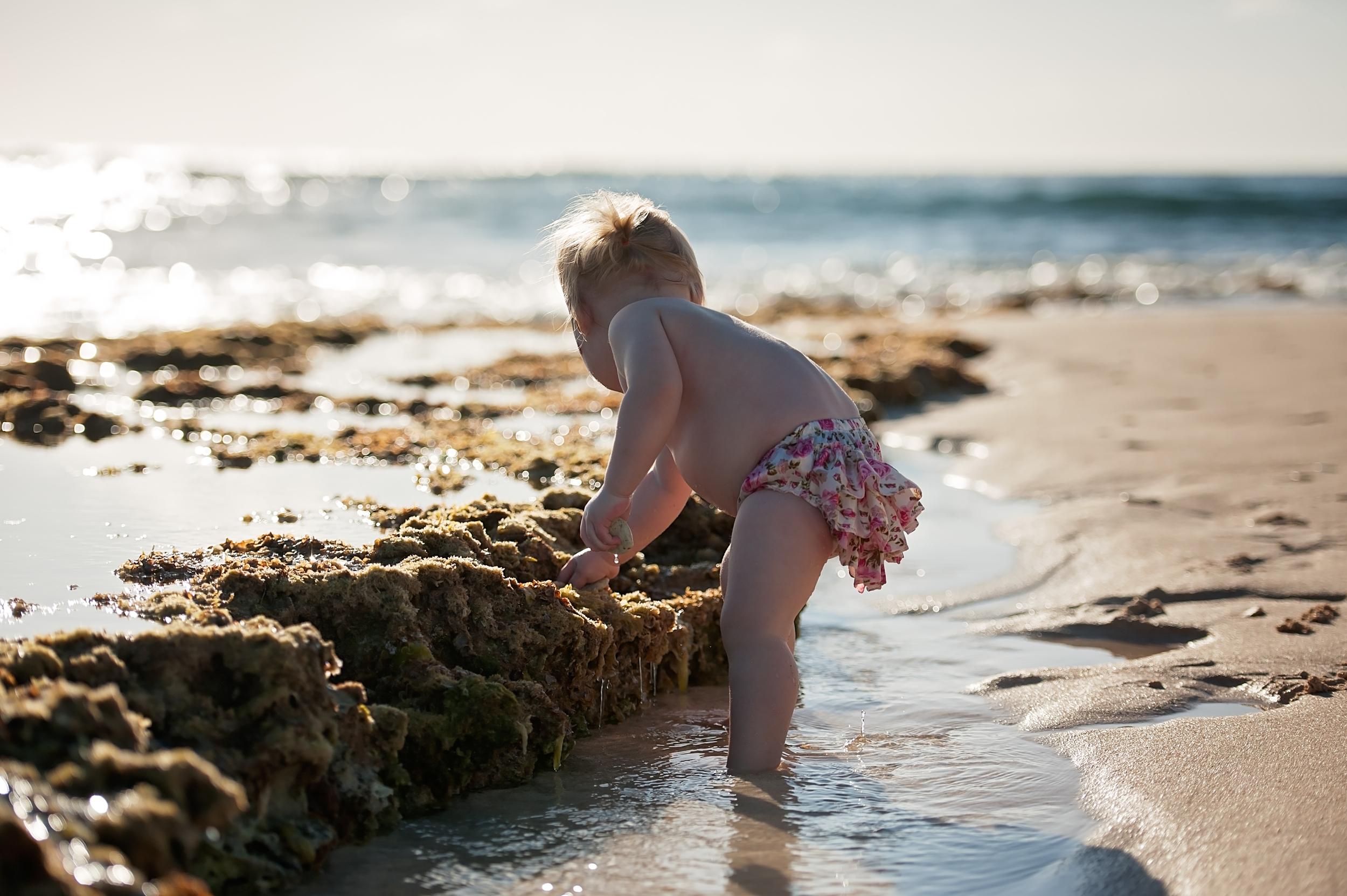 Cayman Islands family portrait photography | on the beach