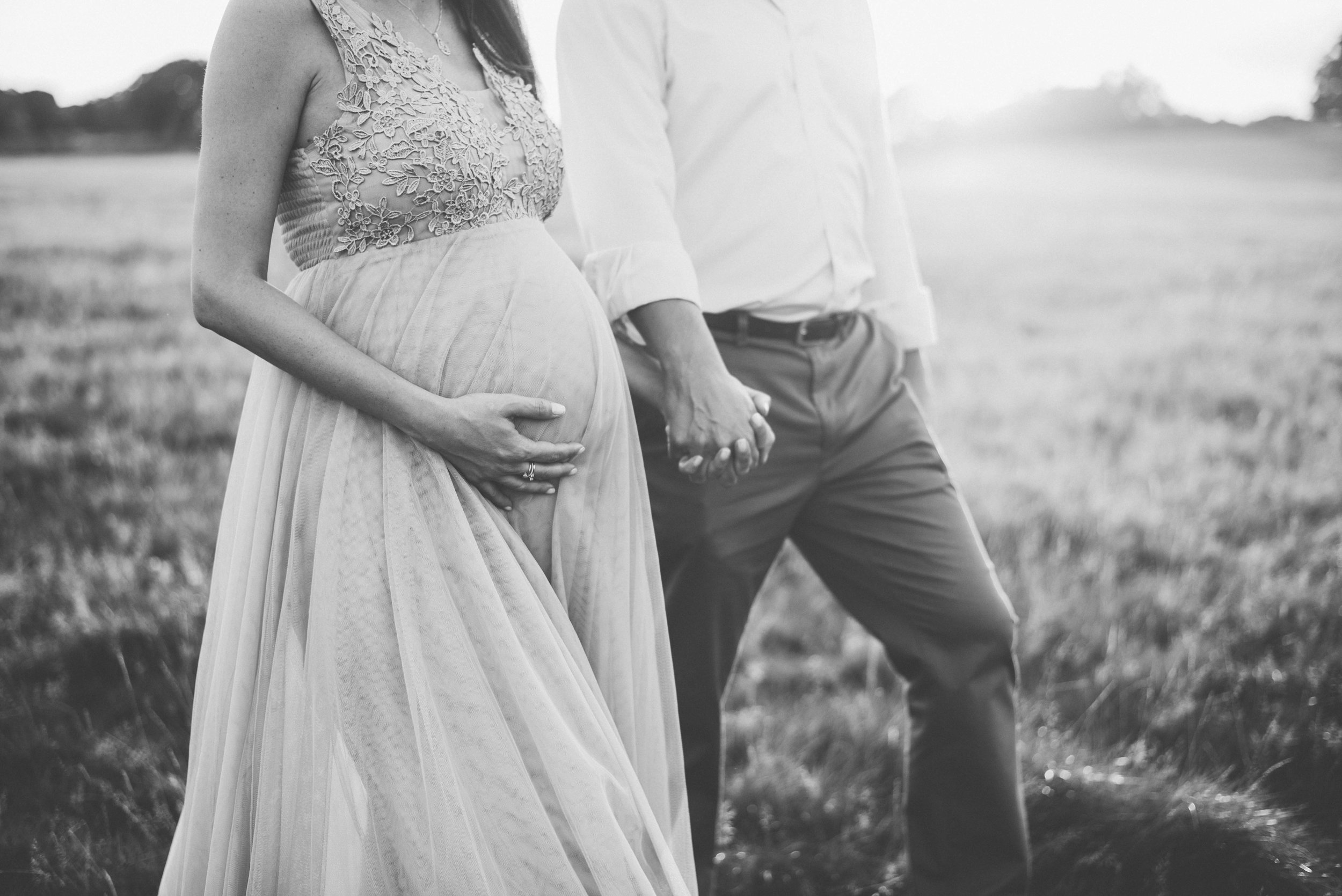 pregnancy photo shoot with partner