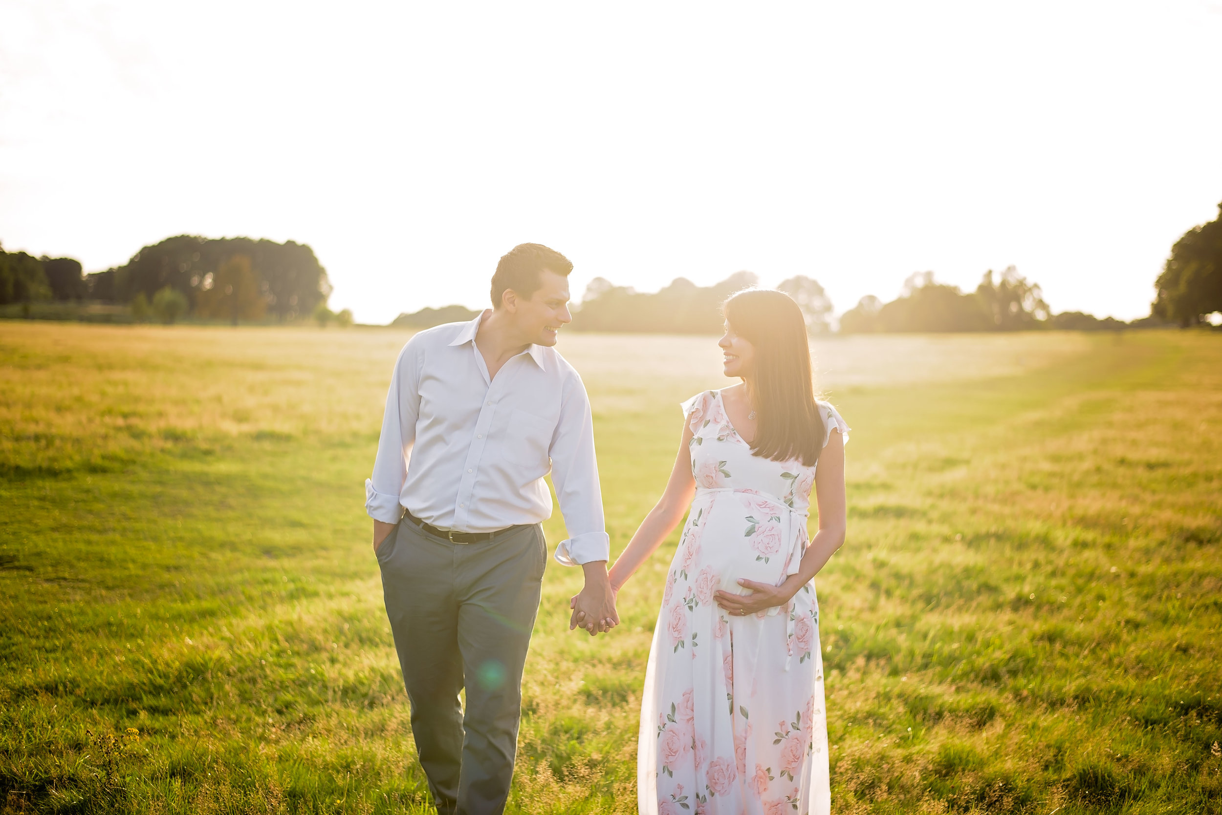 Maternity photoshoot with partner