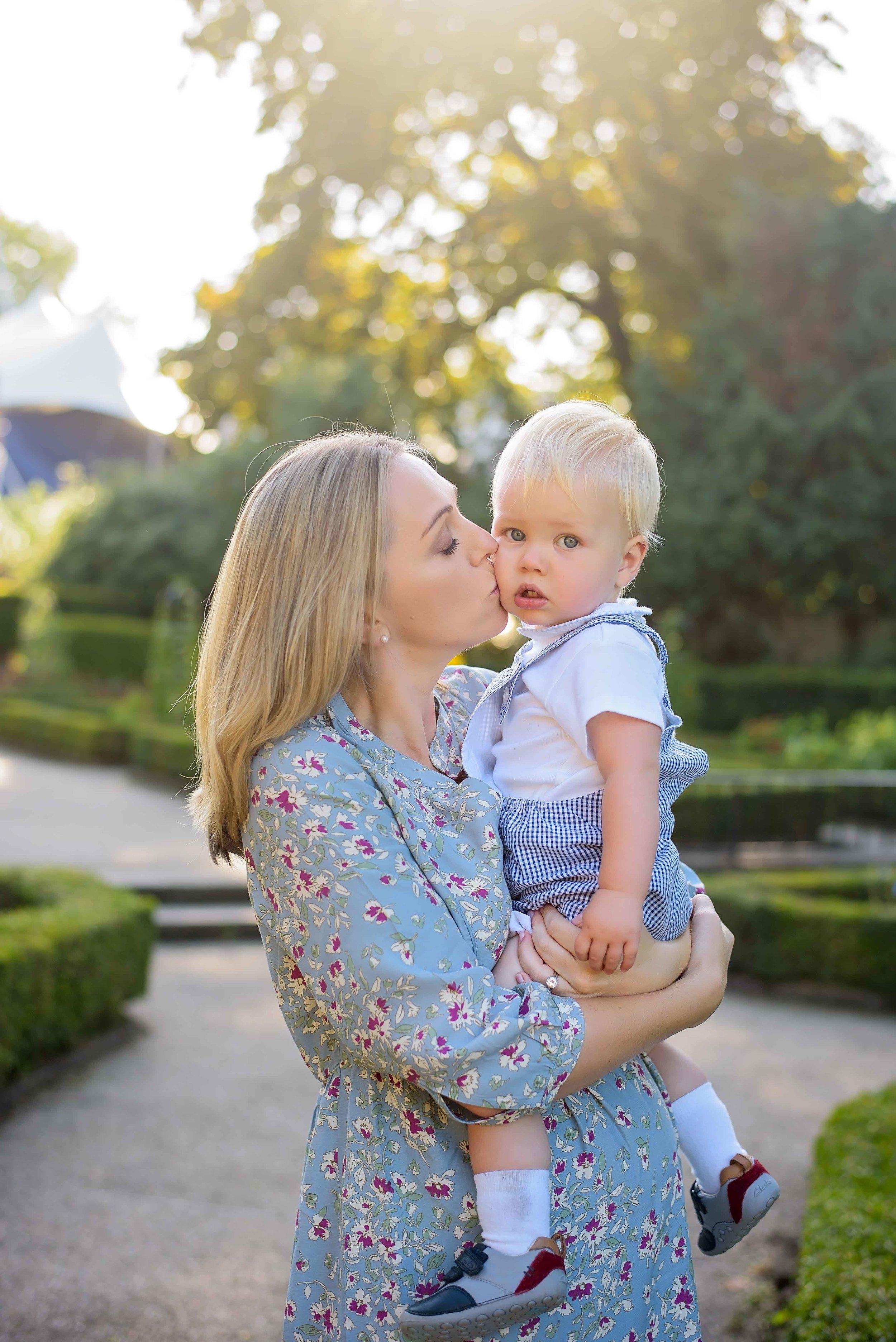 Holland Park family photographer