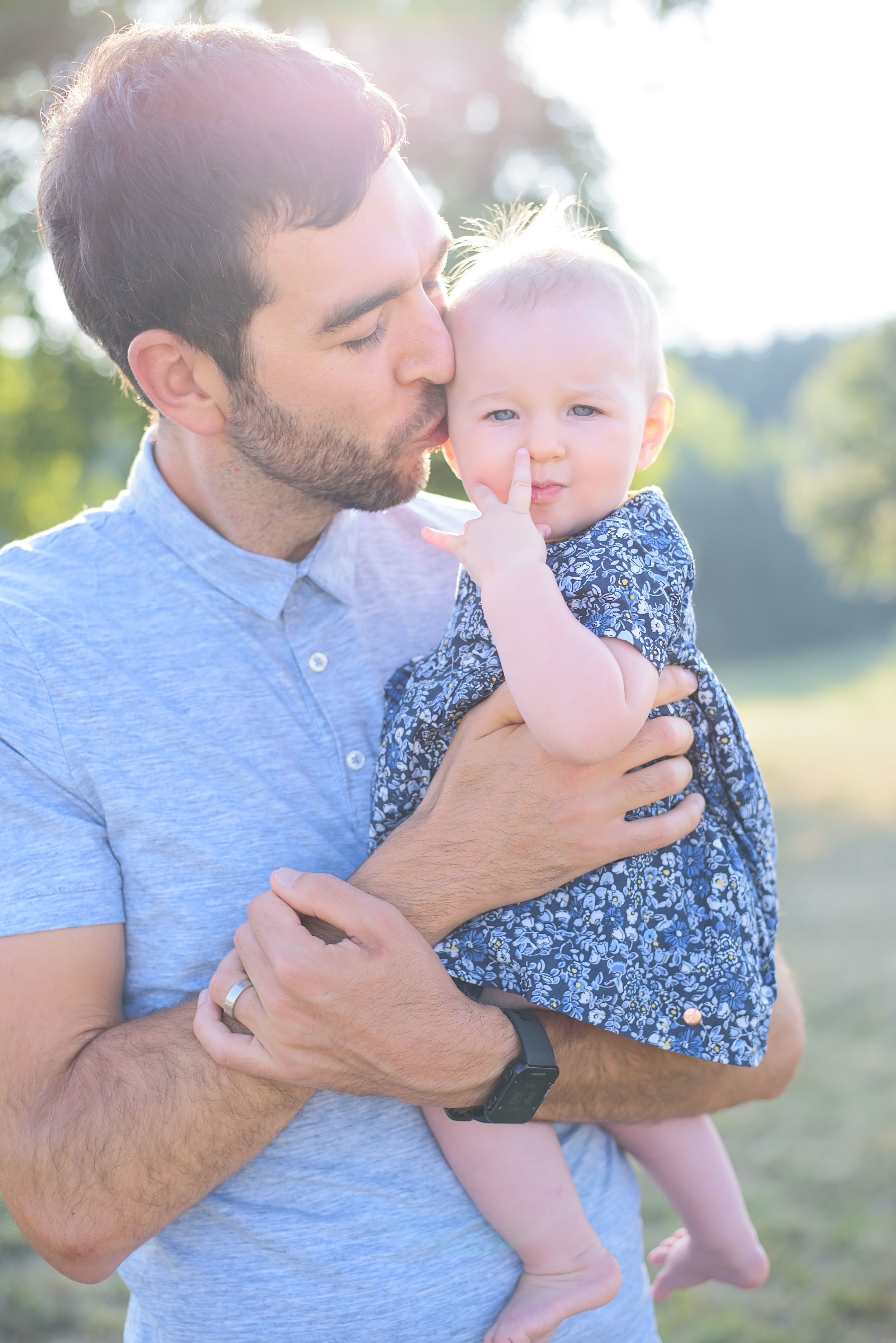 Best backlit family portraits in golden hour