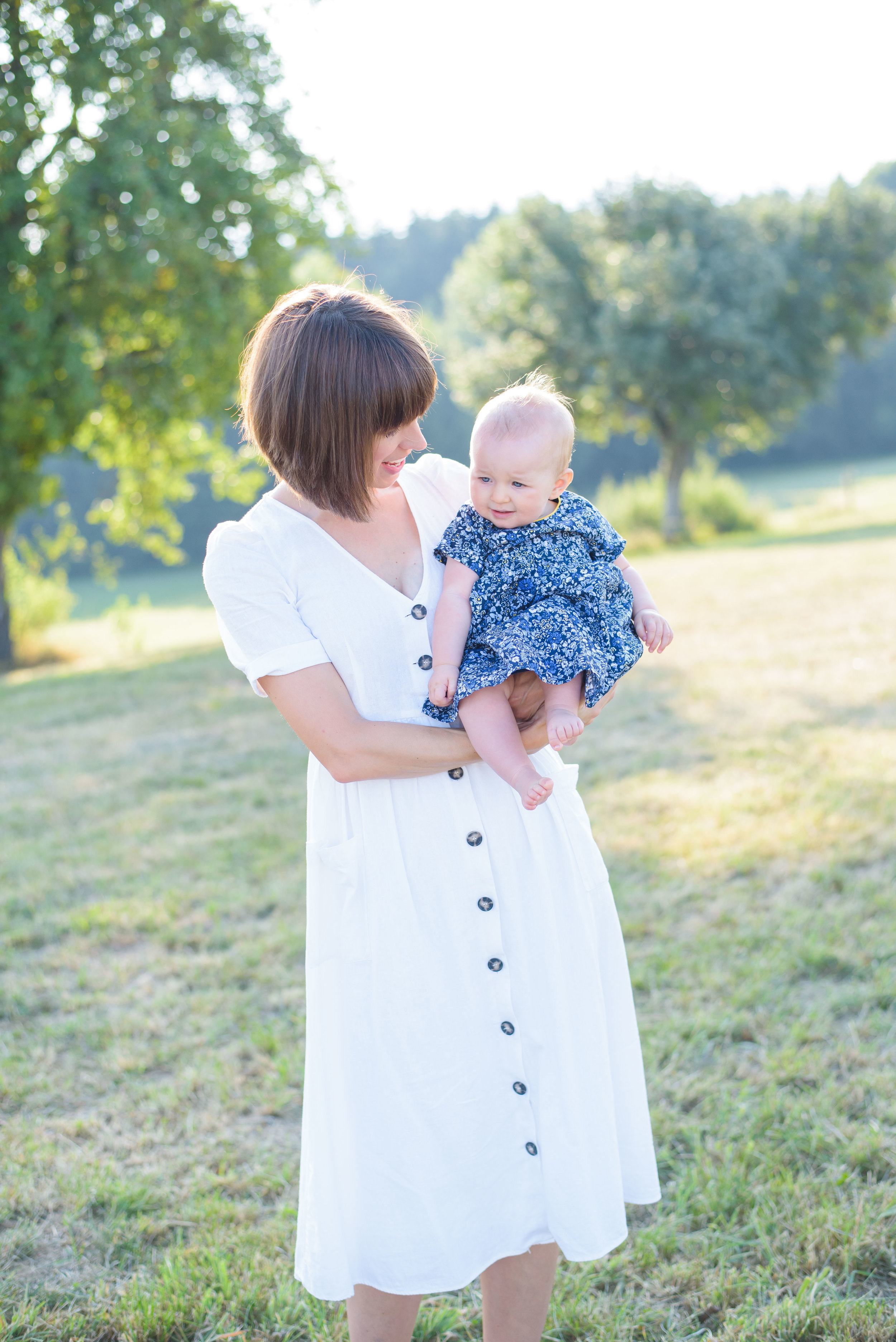 Outdoor baby photographer