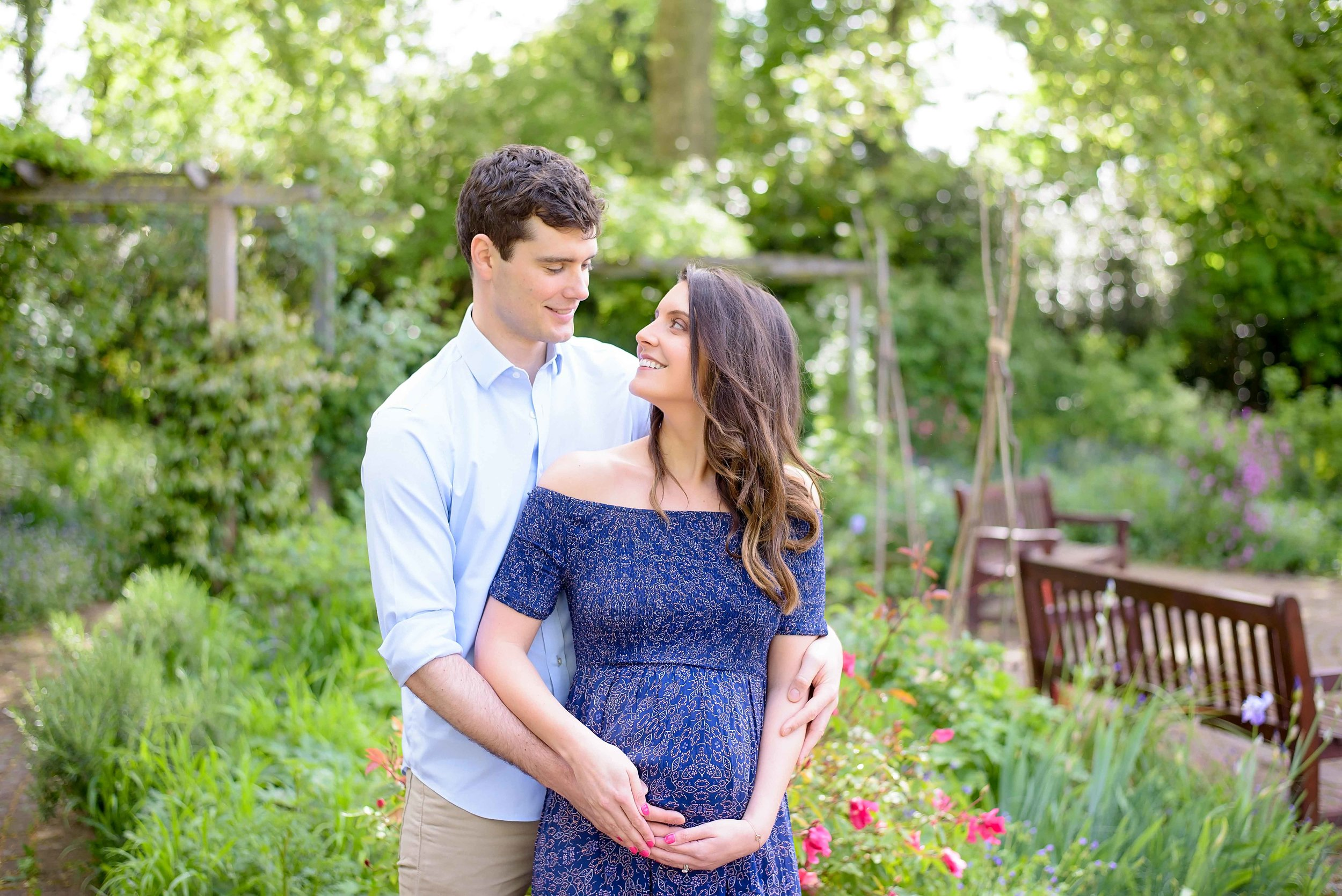 Contemporary pregnancy photography UK