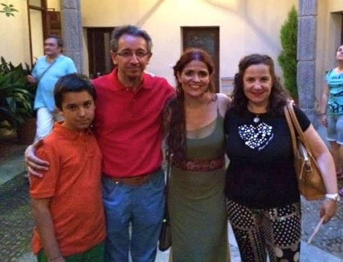 Lola, Diego, Iñaki.jpg