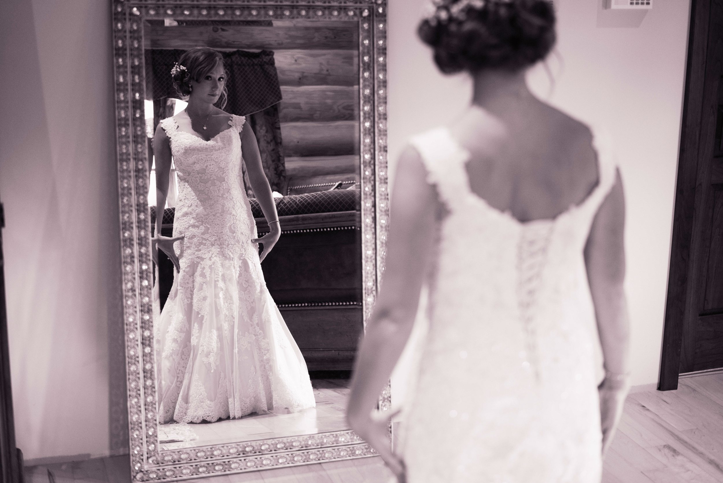 Blog-Lisa-James-Wedding-at Rosebud Estate Weddings in Arcade NY by Stefan-Ludwig-Photography-Buffalo-NY-13-x.jpg