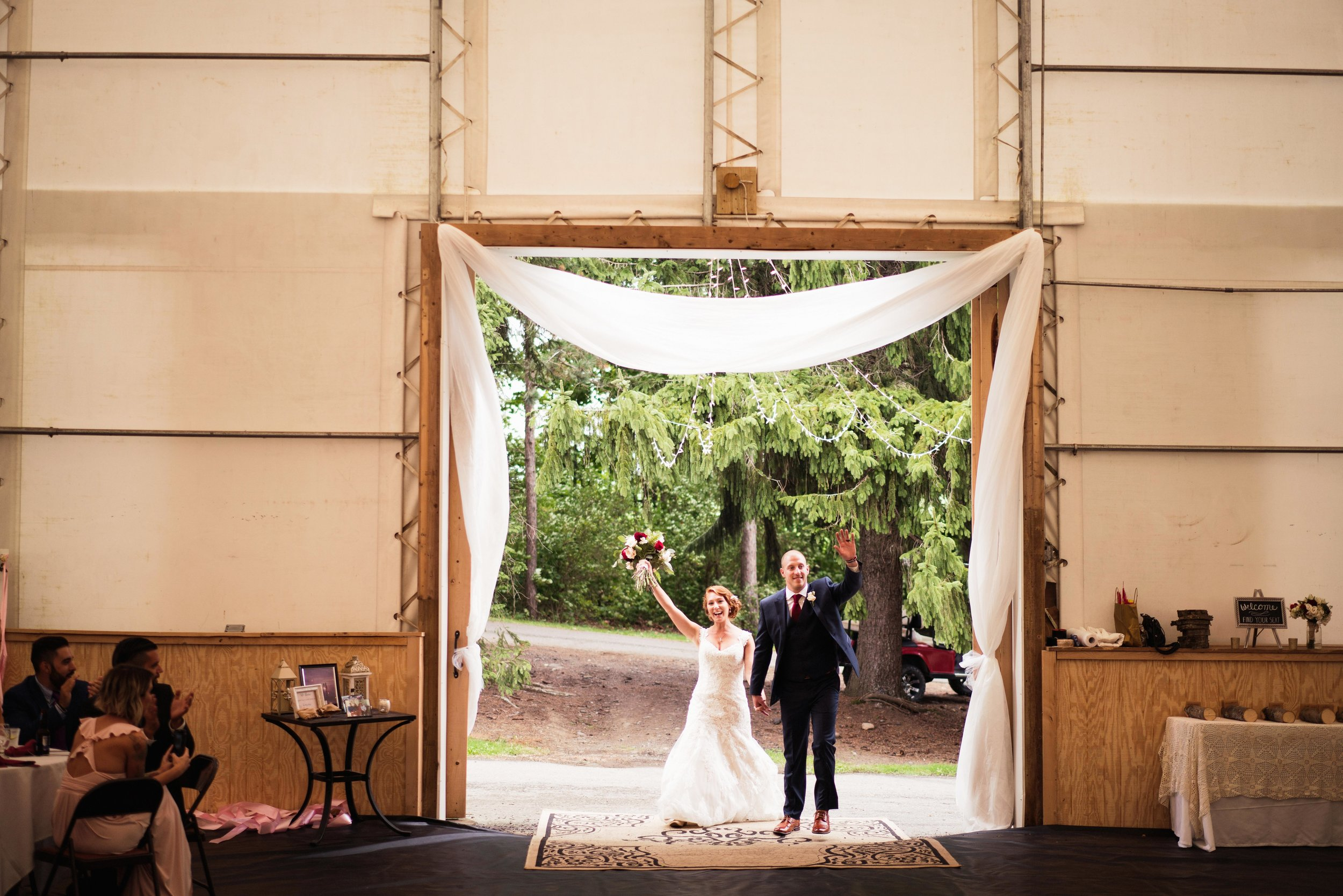 Blog-Lisa-James-Wedding-at Rosebud Estate Weddings in Arcade NY by Stefan-Ludwig-Photography-Buffalo-NY-64-x.jpg