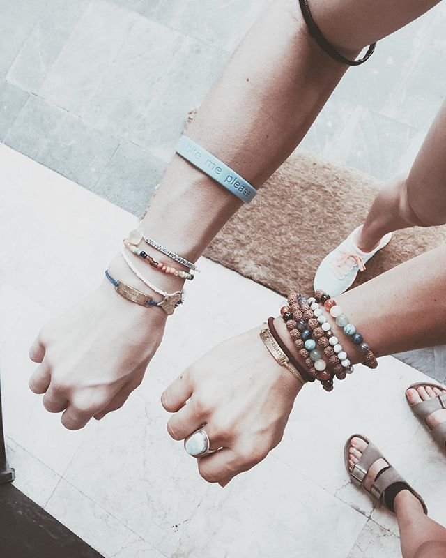 cutie bracelets with my girl @agichristine 💕 so grateful I met this beautiful human! 🙌�