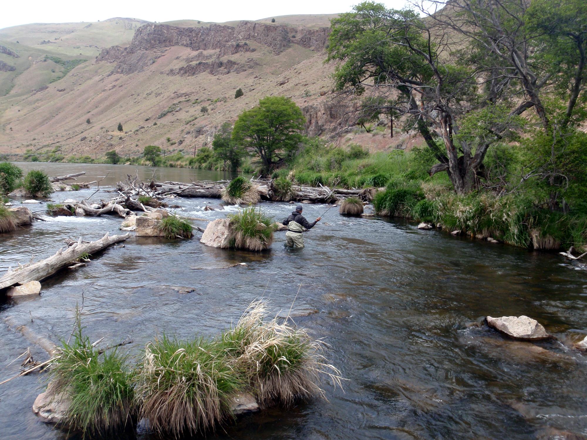 Fishing pocket water on the Deschutes River.jpg