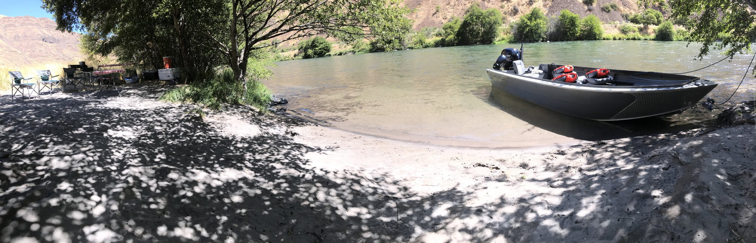 steelhead jet boat camp on the Deschutes River